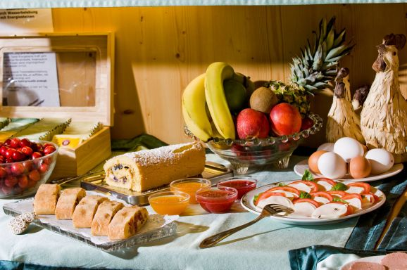 Prima colazione con prodotti tipici